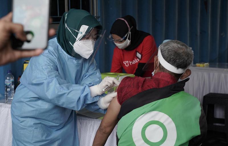 Guru Besar UI: Vaksinasi Massal Ala Gojek Sudah Tepat - JPNN.com