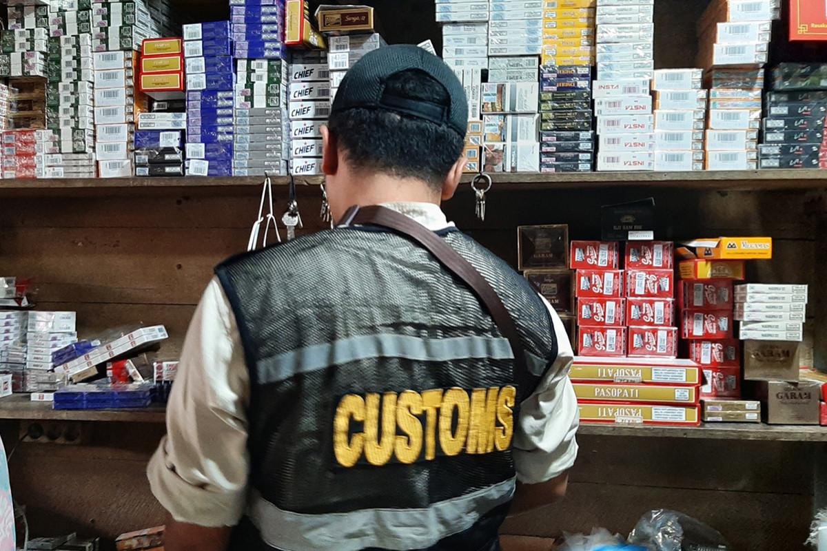 Bea Cukai Amankan Jutaan Batang Rokok Ilegal di Berbagai Daerah - JPNN.com