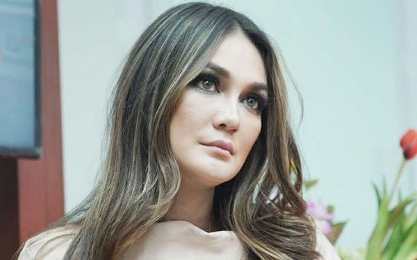 Luna Maya Tak Masalah Akad Nikah di KUA, Asalkan... - JPNN.com