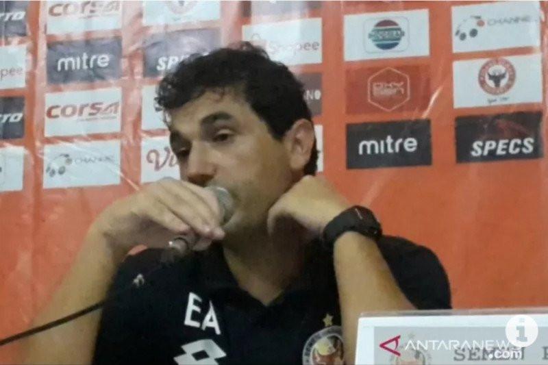 Semen Padang Belum Tentu Kembali Ditukangi Pelatih asal Portugal - JPNN.com