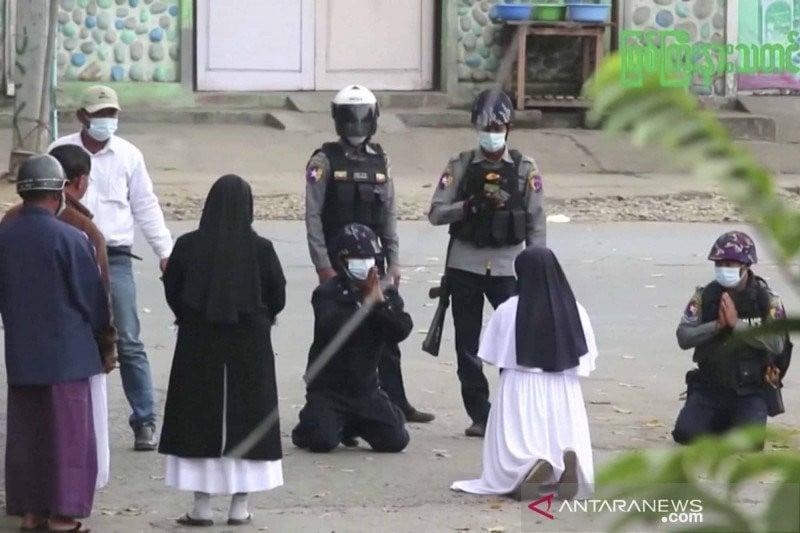 Myanmar Makin Berantakan, Warganya Memilih Kabur ke Thailand - JPNN.com
