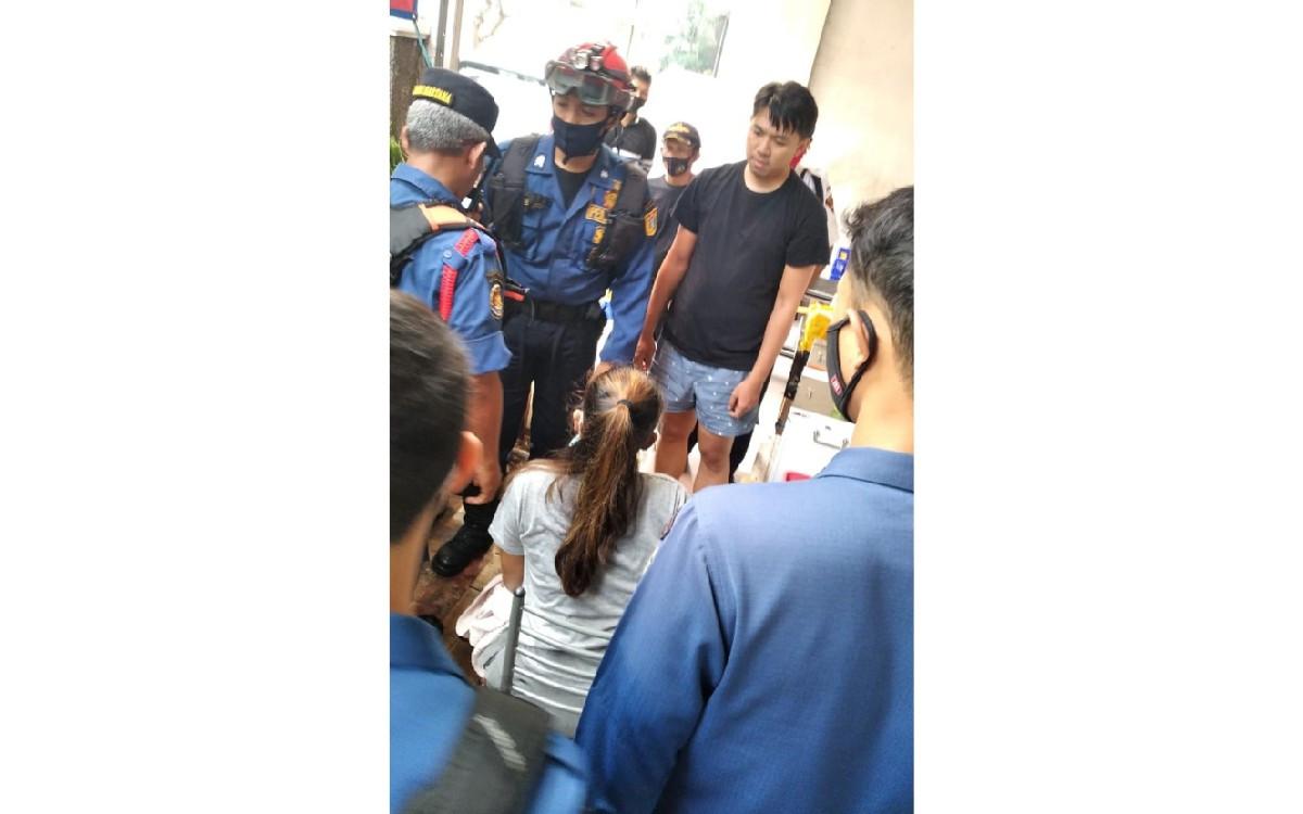 Petugas Damkar Evakuasi Tangan Mbak Tri yang Masuk ke Mesin Penggiling Daging - JPNN.com