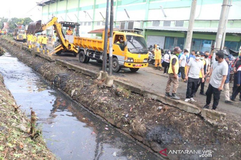 Bobby Nasution Melintasi Jalan Setapak, Simak Kata-katanya - JPNN.com
