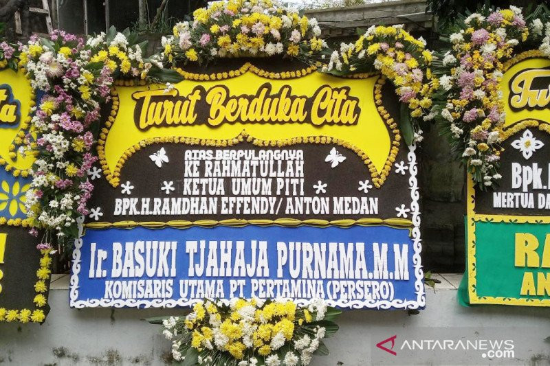 Jenderal Listyo dan Ahok Kirim Karangan Bunga ke Rumah Duka Anton Medan - JPNN.com