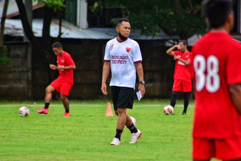 Liga 1 2021/2022: Ini Susunan Pemain Persik vs PSM - JPNN.com