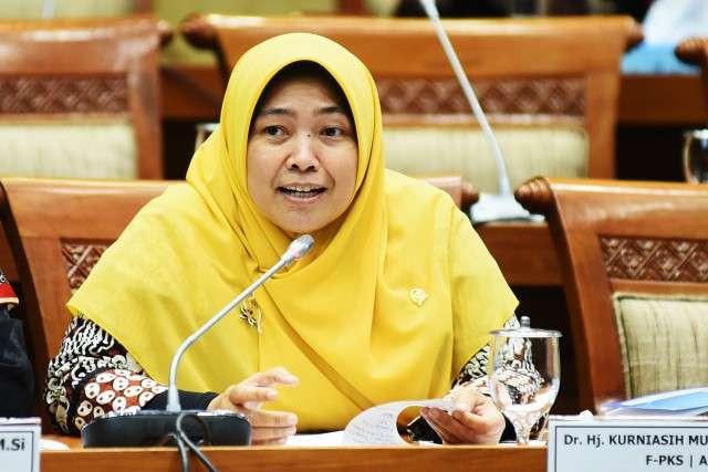 Bu Mufida Angkat Bicara Merespons Penganiayaan Perawat di Palembang - JPNN.com