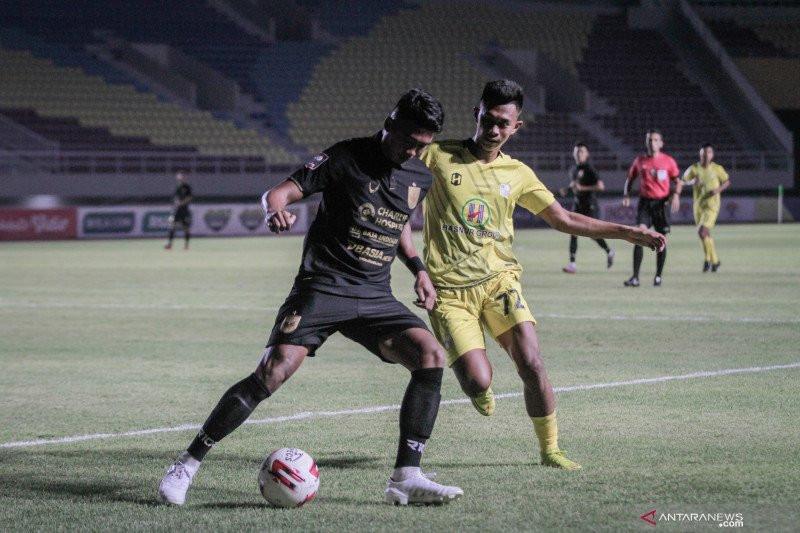 Pelatih Arema Sebut Pemain Asingnya tak Tampil Maksimal ...