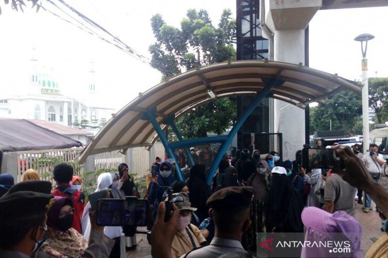 Jaksa Ingin Sidang Habib Rizieq tetap Digelar Virtual, Munarman Bereaksi - JPNN.com