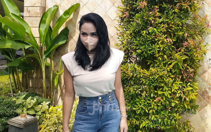 Respons Mengejutkan Krisdayanti soal Kista di Rahim Aurel Hermansyah - JPNN.com