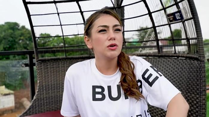 Ditanya Soal Pengusaha Batu Bara, Celine Evangelista Bereaksi Begini - JPNN.com