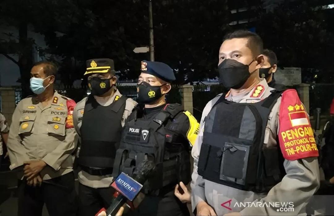 Benda Mencurigakan di Halte Malawai Sudah Diobservasi Brimob, Ini Hasilnya - JPNN.com