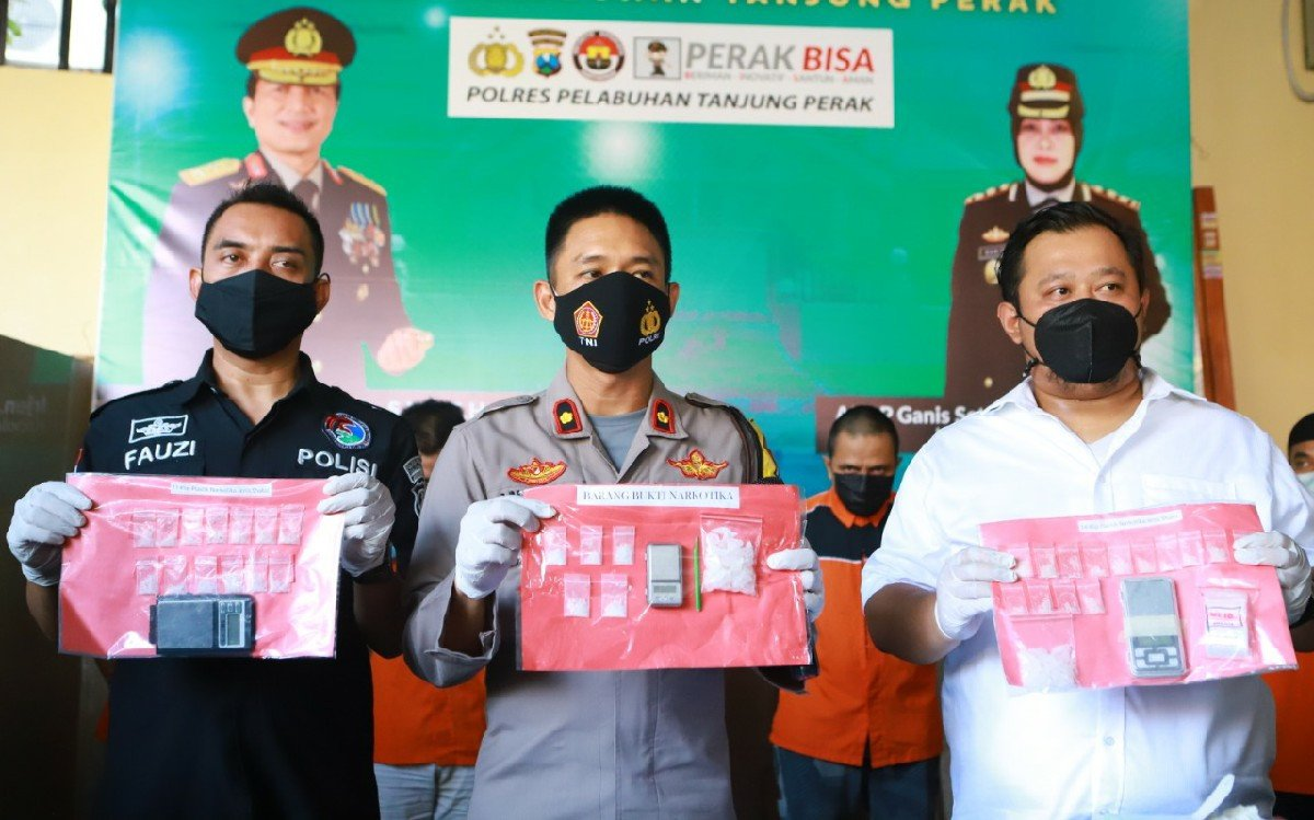 Polisi Gerebek Kamar Indekos, di Dalamnya Ada Wartawan Berpesta Narkoba - JPNN.com