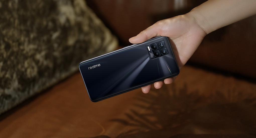 Realme 8 Pro Memadukan Desain Fesyen dan Teknologi - JPNN.com