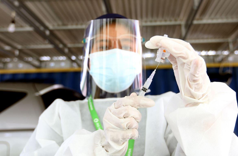 Inilah Keluhan Beberapa Warga Tanjungpinang Usai Disuntik Vaksin AstraZeneca - JPNN.com