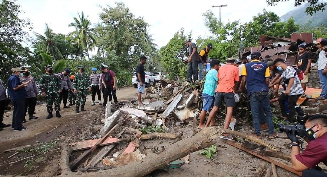 Sabam Sirait Sampaikan Duka Mendalam untuk Korban Musibah di Banyak Daerah - JPNN.com