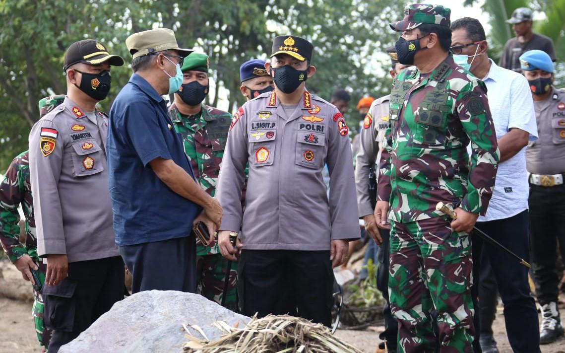 Marsekal Hadi dan Jenderal Listyo Datangi Kaki Gunung Ile Lewotolok - JPNN.com