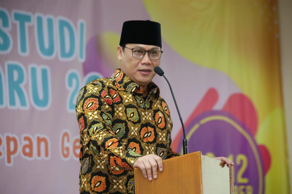 Ahmad Basarah Berharap Buku 'Catatan Merah' Karya Guntur Soekarnoputra Dibaca Generasi Milenial