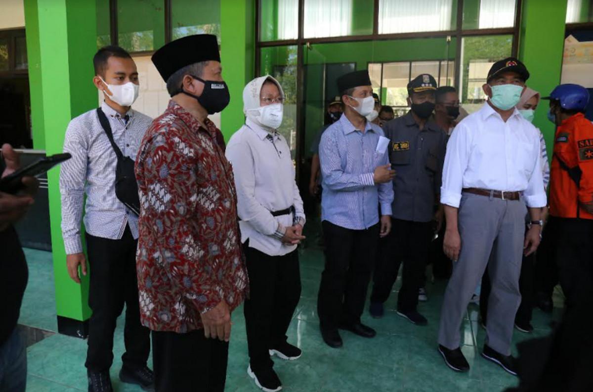 Kemensos Serahkan Santunan untuk Ahli Waris Korban Meninggal Akibat Gempa - JPNN.com