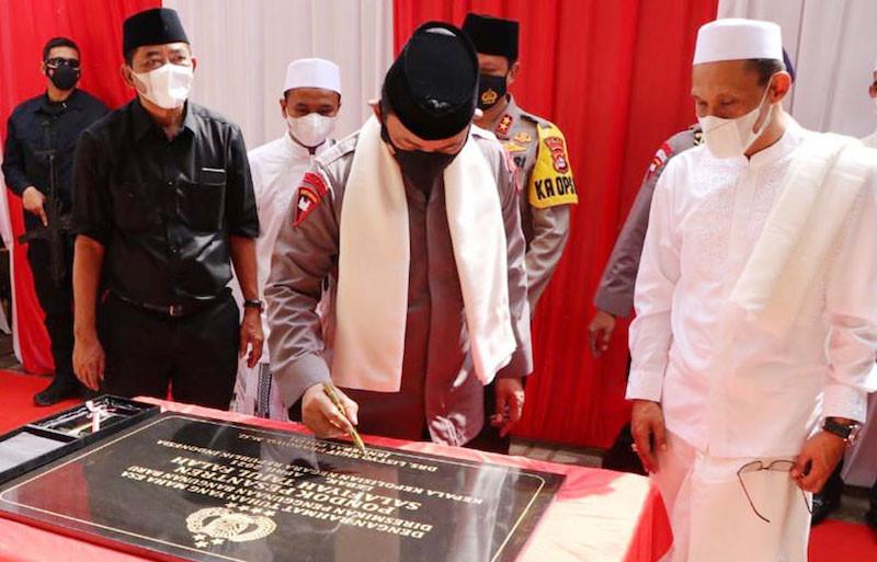 Resmikan Bangunan Ponpes Bersejarah di Banten, Jenderal Listyo Banjir Doa dari Ulama - JPNN.com