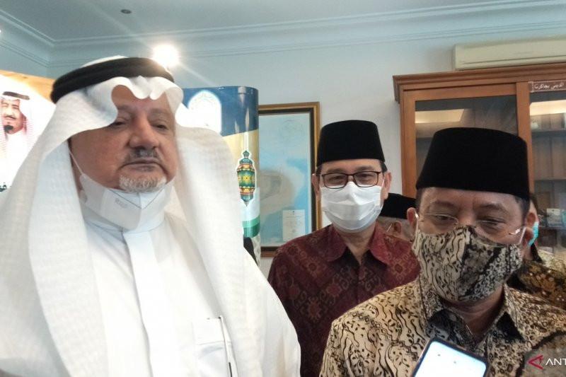 Bagi-Bagi Kurma di Jakarta, Dubes Saudi Sampaikan Janji Manis soal Ibadah Haji - JPNN.com