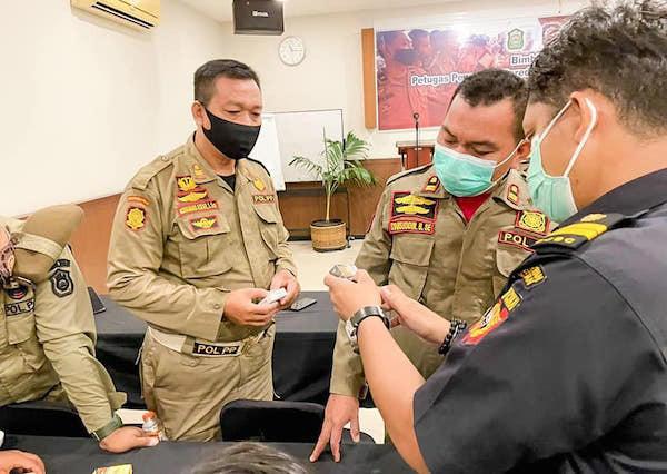 Bea Cukai Menggempur Peredaran Rokok Ilegal Lewat Berbagai Kegiatan - JPNN.com