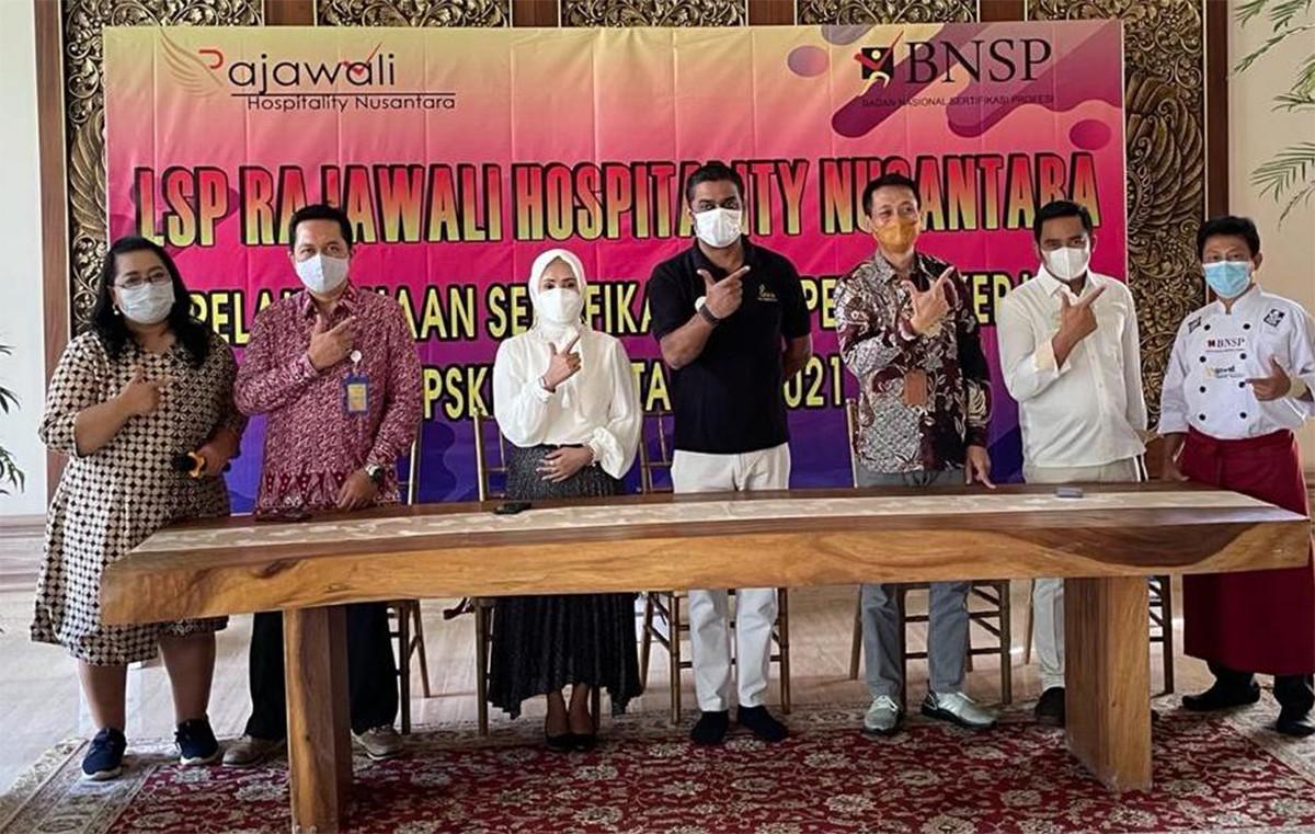 BNSP Sertifikasi Kompetensi SDM Perhotelan dan Restoran di Sekitar Candi Borobudur - JPNN.com
