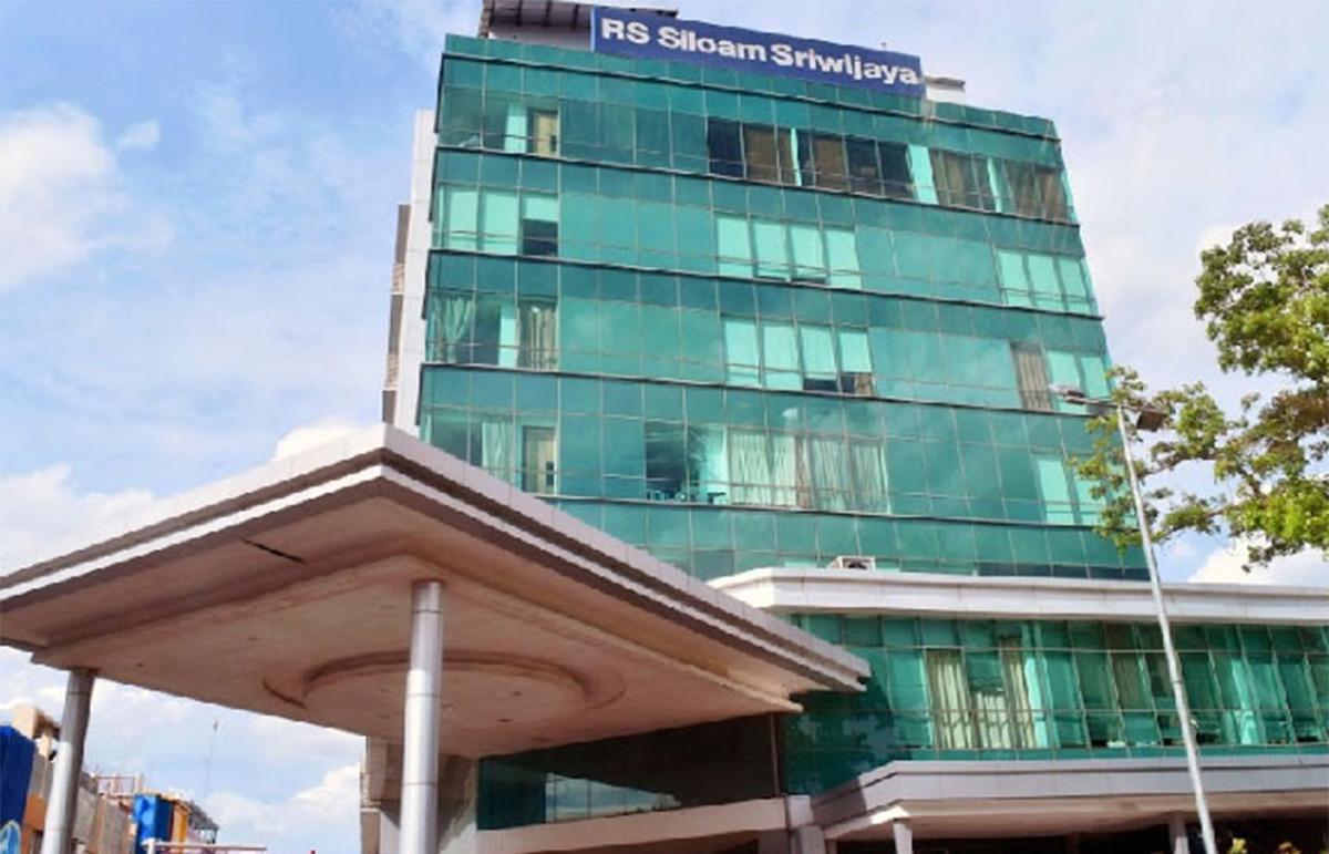 Perawat RS Siloam Sriwijaya Itu Dipukul, Ditendang, Disuruh Bersujud Minta Maaf - JPNN.com