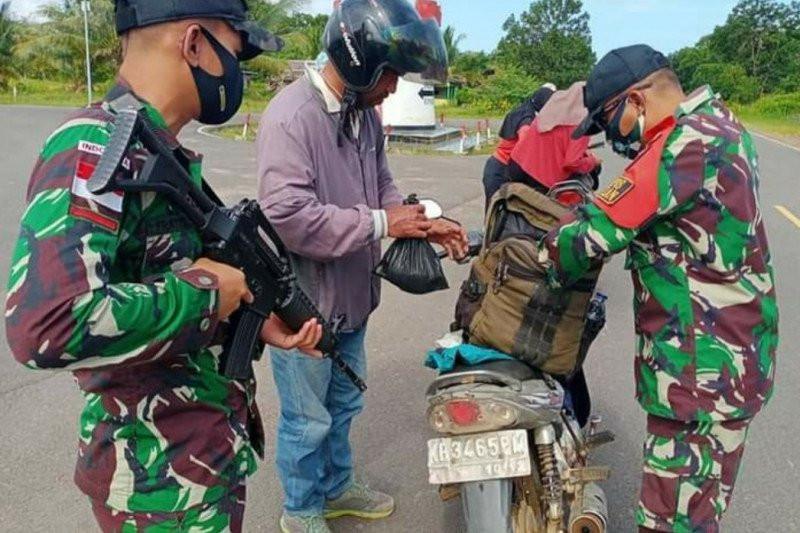 Lihat, Satgas Pamtas Perketat Penjagaan di Perbatasan RI-Malaysia - JPNN.com