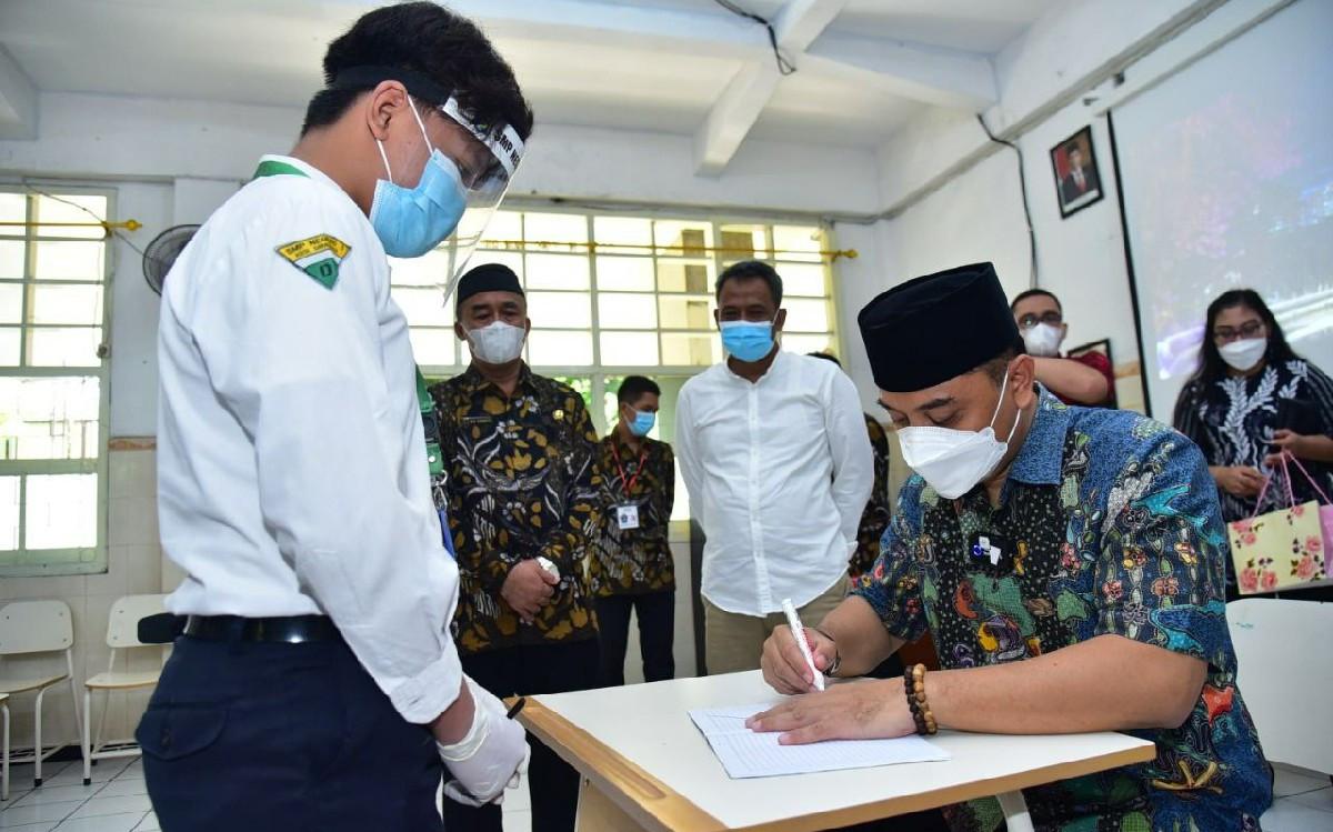 Pemkot Surabaya Lakukan Simulasi Besar-besaran Jelang PTM di Sekolah - JPNN.com
