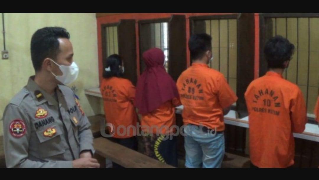 Jelang Sahur, 2 Ibu Rumah Tangga dan 3 Pria Asyik Berbuat Dosa, Lihat Tuh Orangnya - JPNN.com