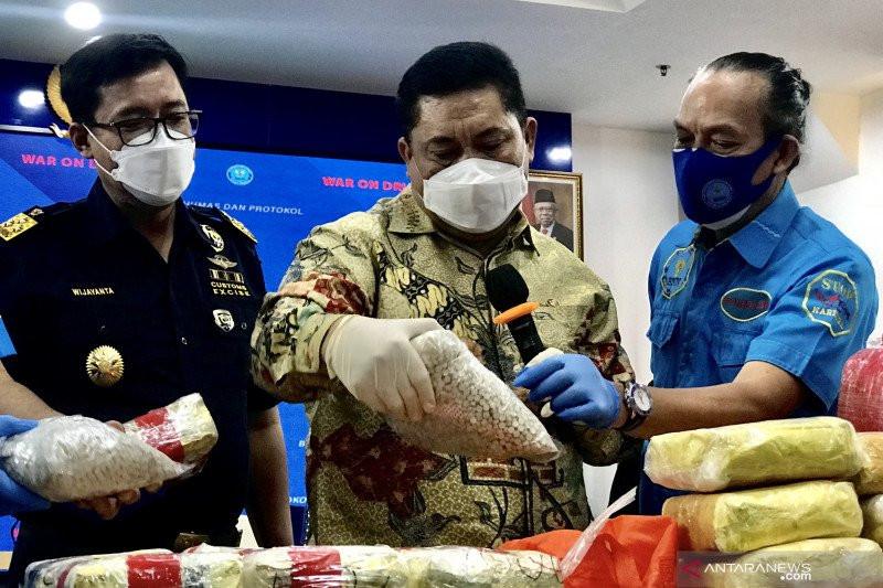 Bongkar Jaringan Dumai-Madura, BNN Sita 212,39 Kg Sabu-Sabu dan 19.700 Butir Ekstasi - JPNN.com