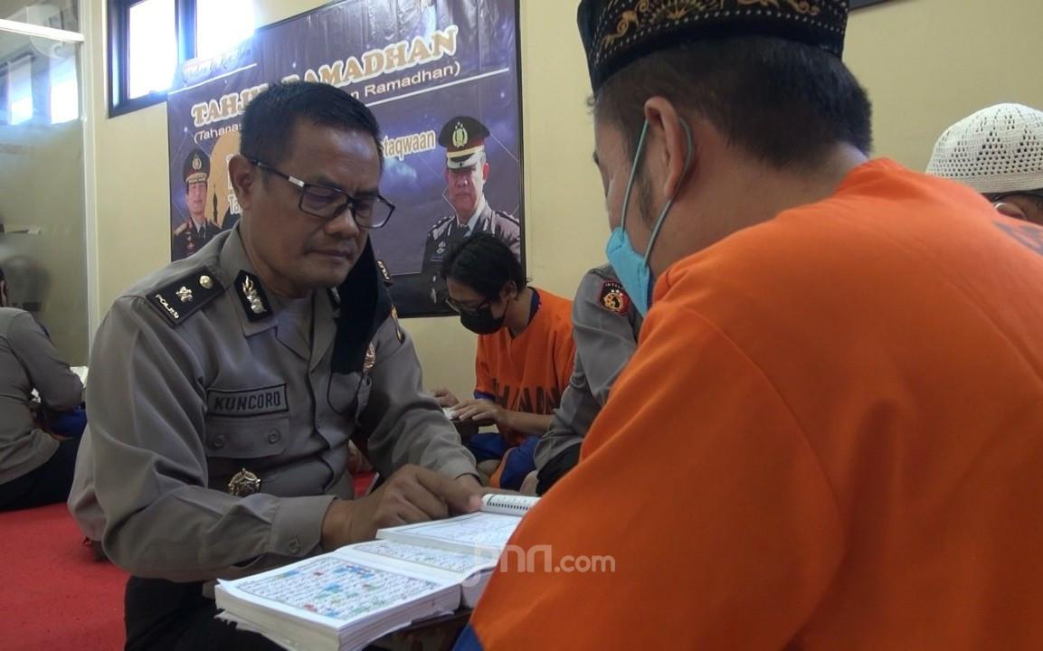 Adem Banget Melihat Tahanan di Polda Jatim - JPNN.com