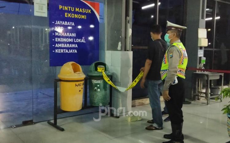Polisi Masih Dalami Penyebab Ambruknya Atap Stasiun Pasar Turi - JPNN.com