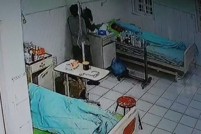 Ada yang Janggal di Ruang Isolasi Pasien COVID-19, Perhatikan Baik-baik - JPNN.com