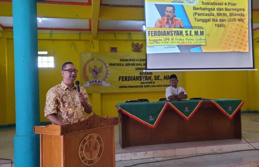 Sosialisasi 4 Pilar Kebangsaan, Ferdiansyah Ajak Warga Kedepankan Budaya Gotong Royong - JPNN.com