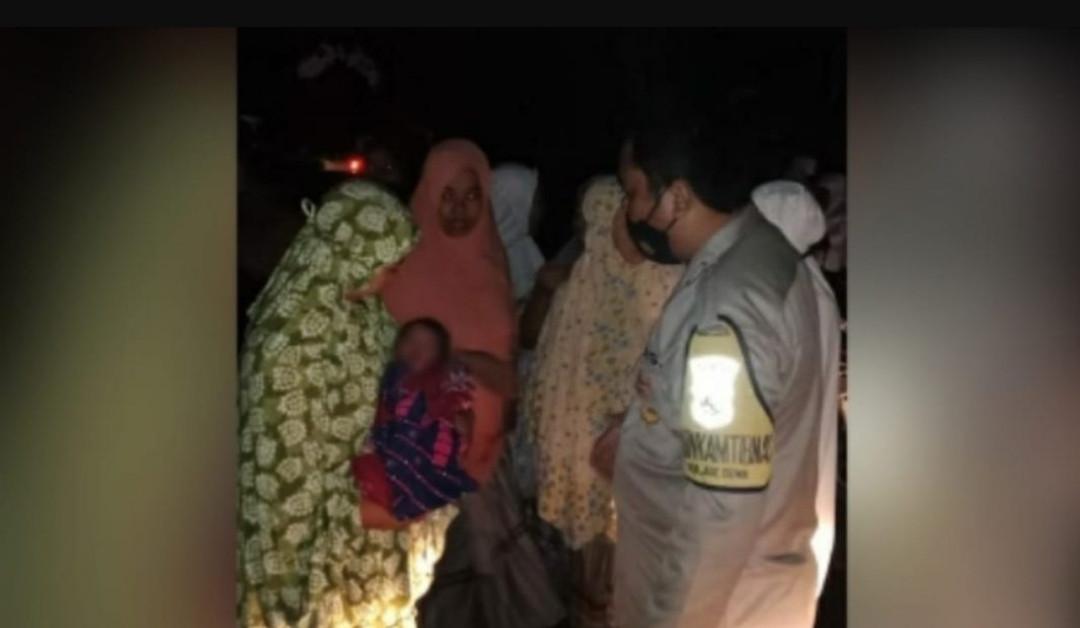Suara Tangisan Bayi Memecah Keheningan Jemaah Salat Subuh, Tiba-Tiba Geger - JPNN.com