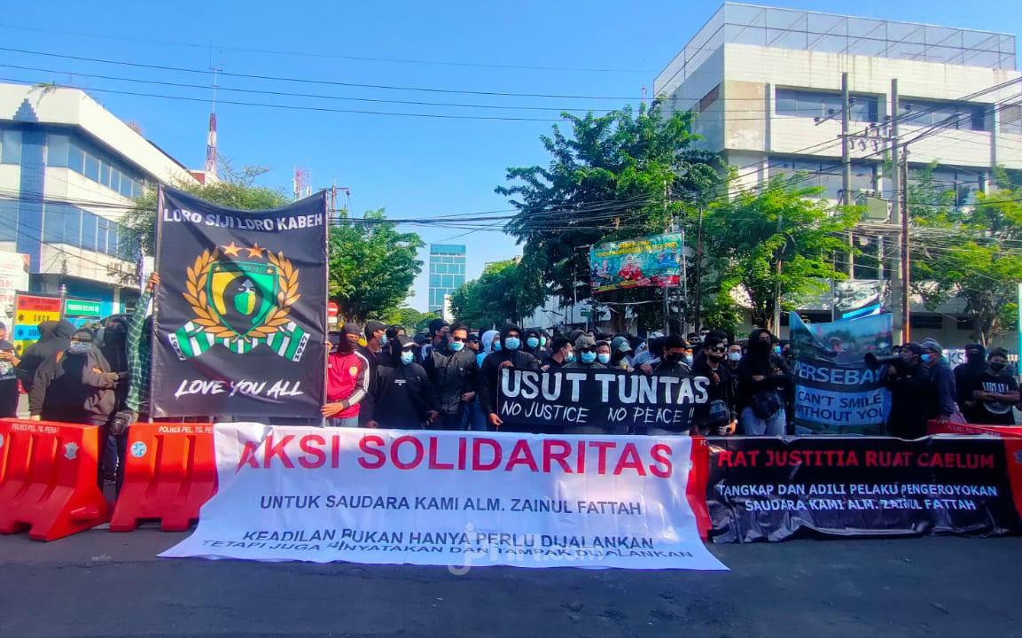 Bonek Green Nord Turun ke Jalan Desak Polisi Usut Pengeroyokan Zainal Fattah - JPNN.com Jatim