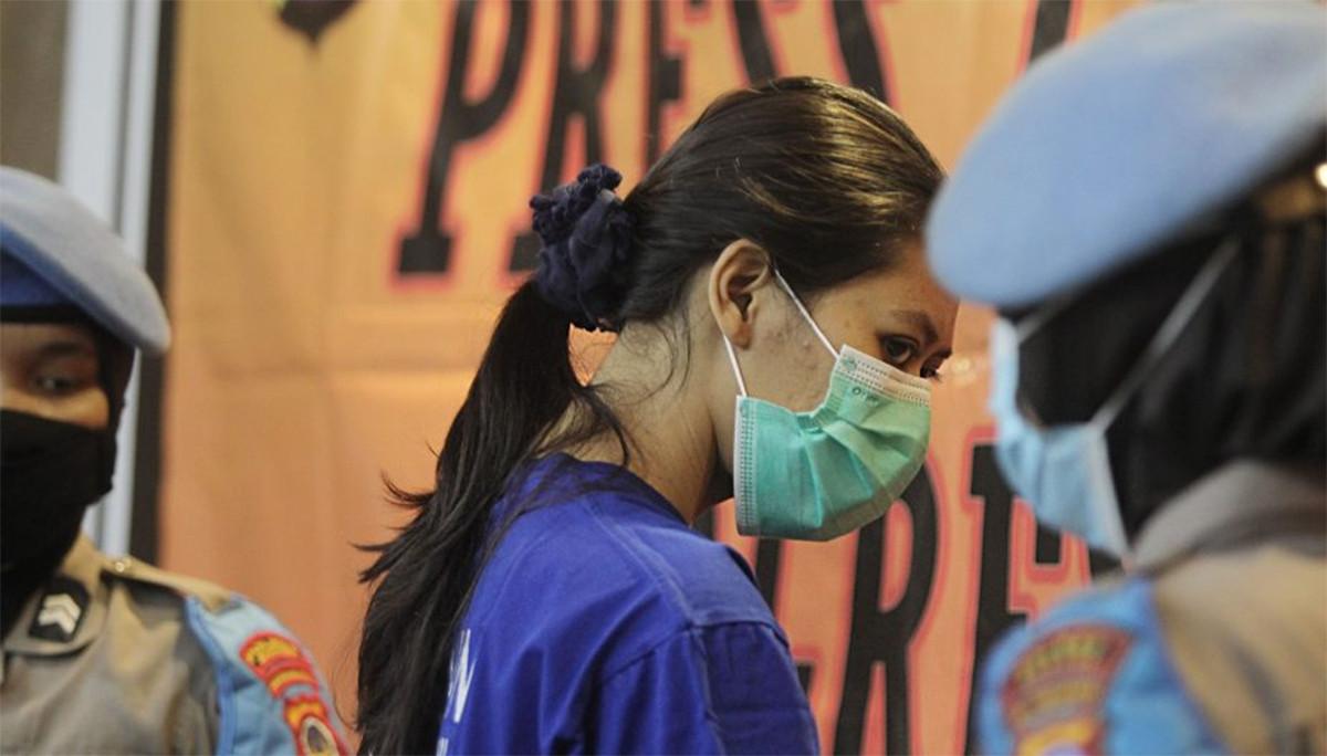 Wanita Pengirim Sate Beracun Itu Mbulet, Konon Sakit Hati Tak Dinikahi Polisi - JPNN.com