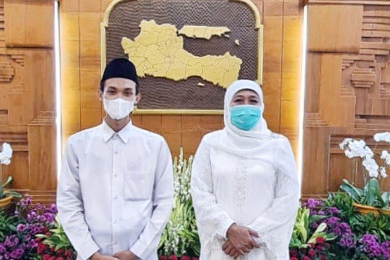 Rahmat Alfian Jadi Imam Besar di UEA, Khofifah Titip Pesan Begini - JPNN.com