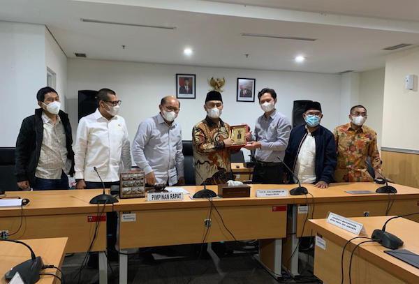 Jimly Dorong Pemprov DKI Segera Tindak Lanjuti UU Cipta Kerja dan Terlibat Pembahasan IKN - JPNN.com