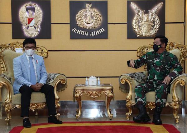 Gandeng TNI, Menkominfo Membangun 5.000 BTS di Papua dan Natuna - JPNN.com