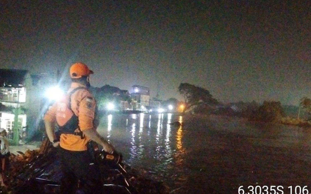 Banjir Melanda 3 Kecamatan di Kota Bekasi, Ini Lokasi Terparah - JPNN.com