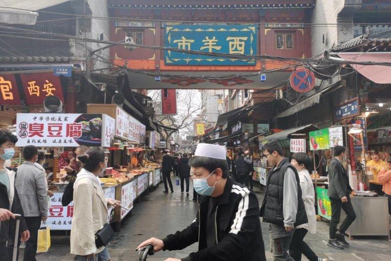Mencicipi Lezatnya Guantang Shuijiao dan Ba Bao Zhou di Surga Makanan Halal China - JPNN.com