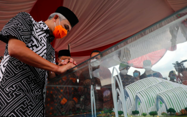 Masjid Agung dengan Konsep Seribu Bulan Sabit akan Dibangun, Didesain Ridwan Kamil, Diresmikan Pak Ganjar - JPNN.com