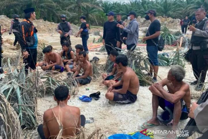 Para Penambang Emas Tanpa Izin di Kuansing Ditangkap Polisi - JPNN.com