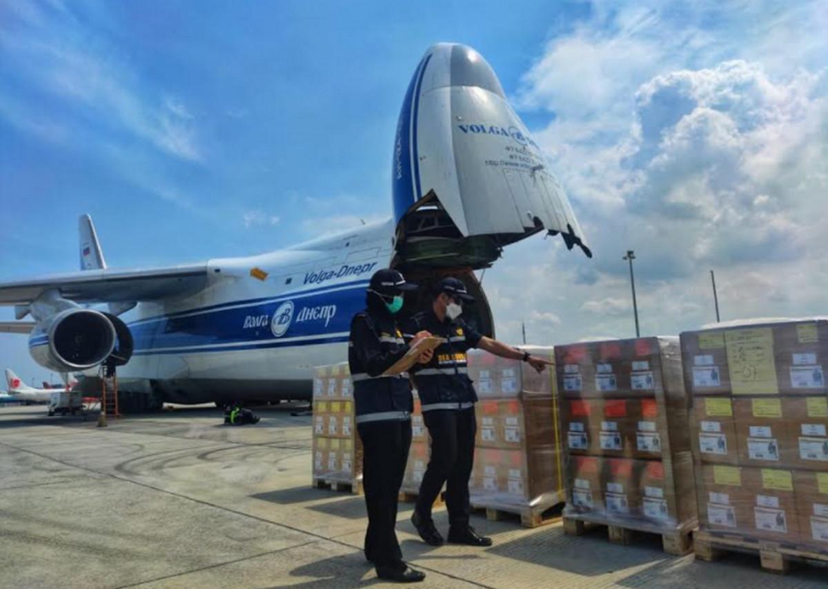 Bea Cukai Fasilitasi Ekspor Tembakau dan Ice Cream Powder - JPNN.com