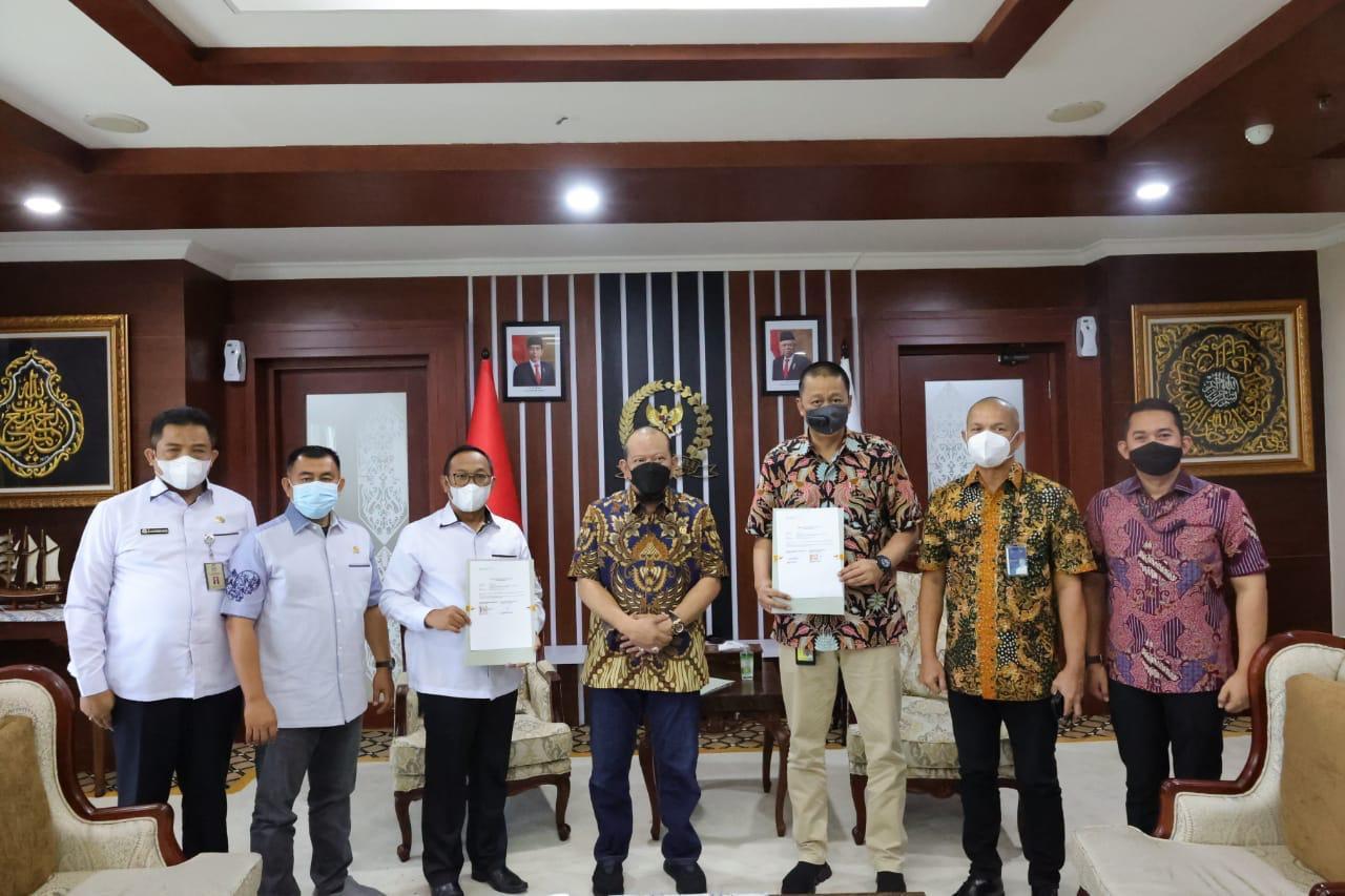 DPD RI dan Garuda Teken MoU, LaNyalla Berharap Senator Makin Mudah Menyerap Aspirasi - JPNN.com