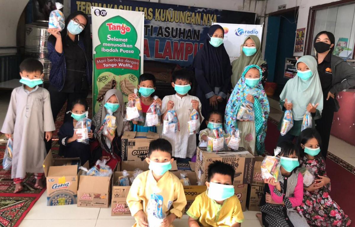 OT Sebar Semangat Berbagi Lewat Aksi Rahmat - JPNN.com