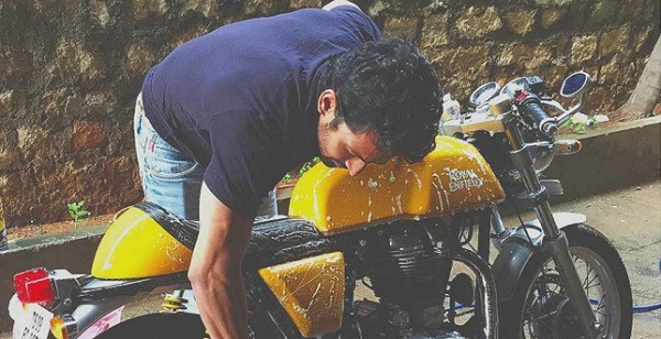 Bantu Korban Covid-19, Aktor Bollywood Ini Rela Motor Kerennya Ditukar Oksigen - JPNN.com