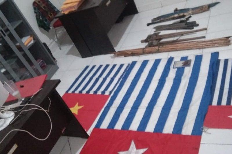Kronologi Pasukan TNI-Polri Tembak Mati Anggota KKB Penembak Bharada Komang - JPNN.com